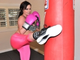 Sexy Boxing Chick in Leggings